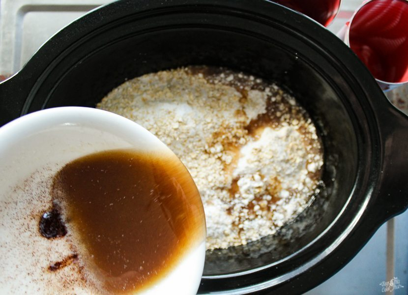 Cinnamon Cherry Crockpot Cobbler