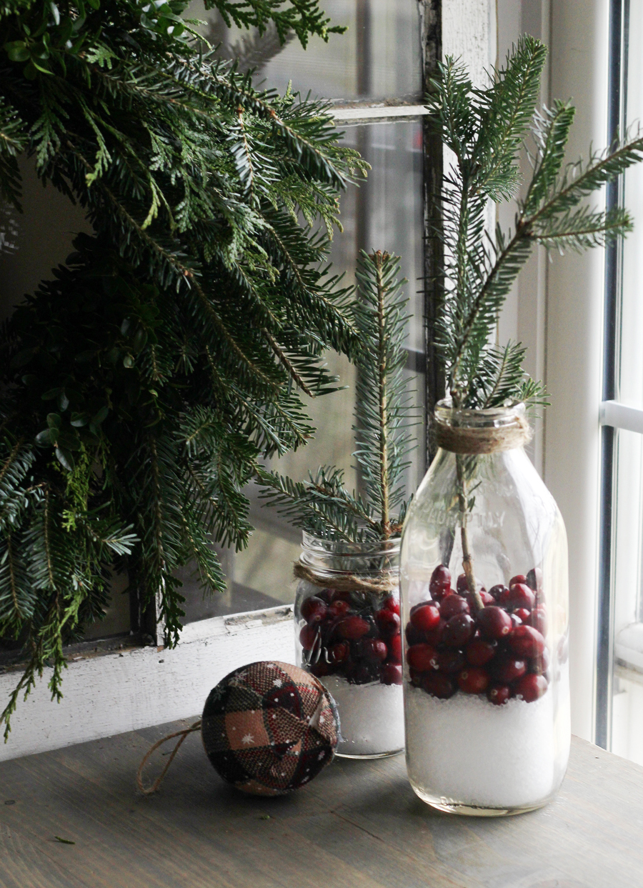 Beautiful + simple Cranberry Rustic Christmas Decor