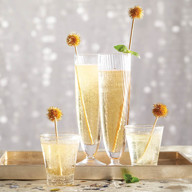 Get the champagne look with no alcohol with this gorgeous mocktail recipe.