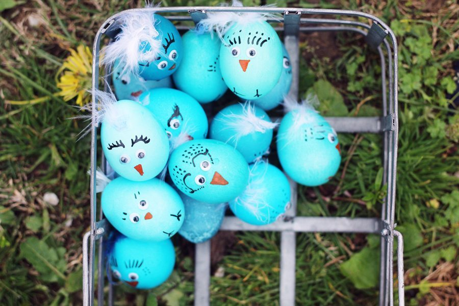 Blue Bird Easter Egg Chicks A Fun Way To Decorate Easter Eggs