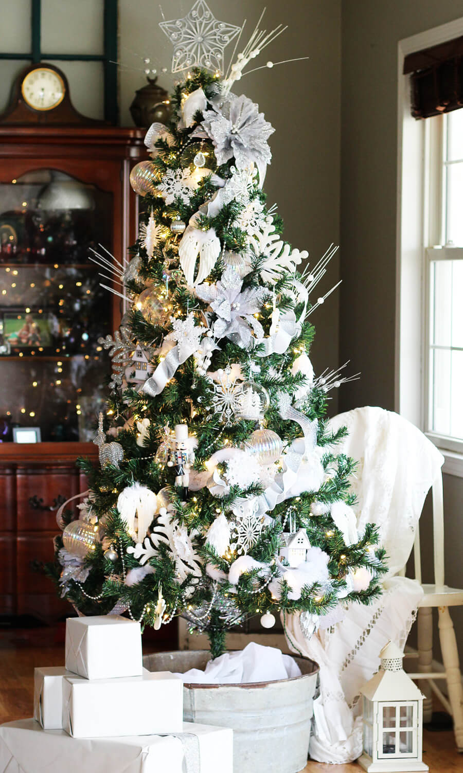 Christmas Tree Decorations Ideas.Winter White Christmas Tree Decorating Ideas Buy This Cook