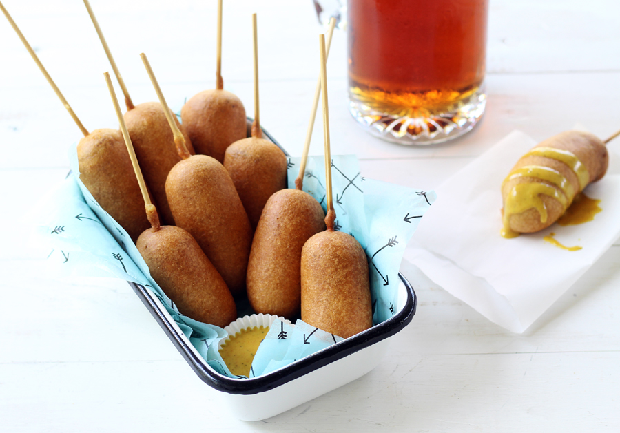 Beer Battered Bratwurst Corn Dogs with Homemade Honey Mustard Sauce#corndogs #bratwurst